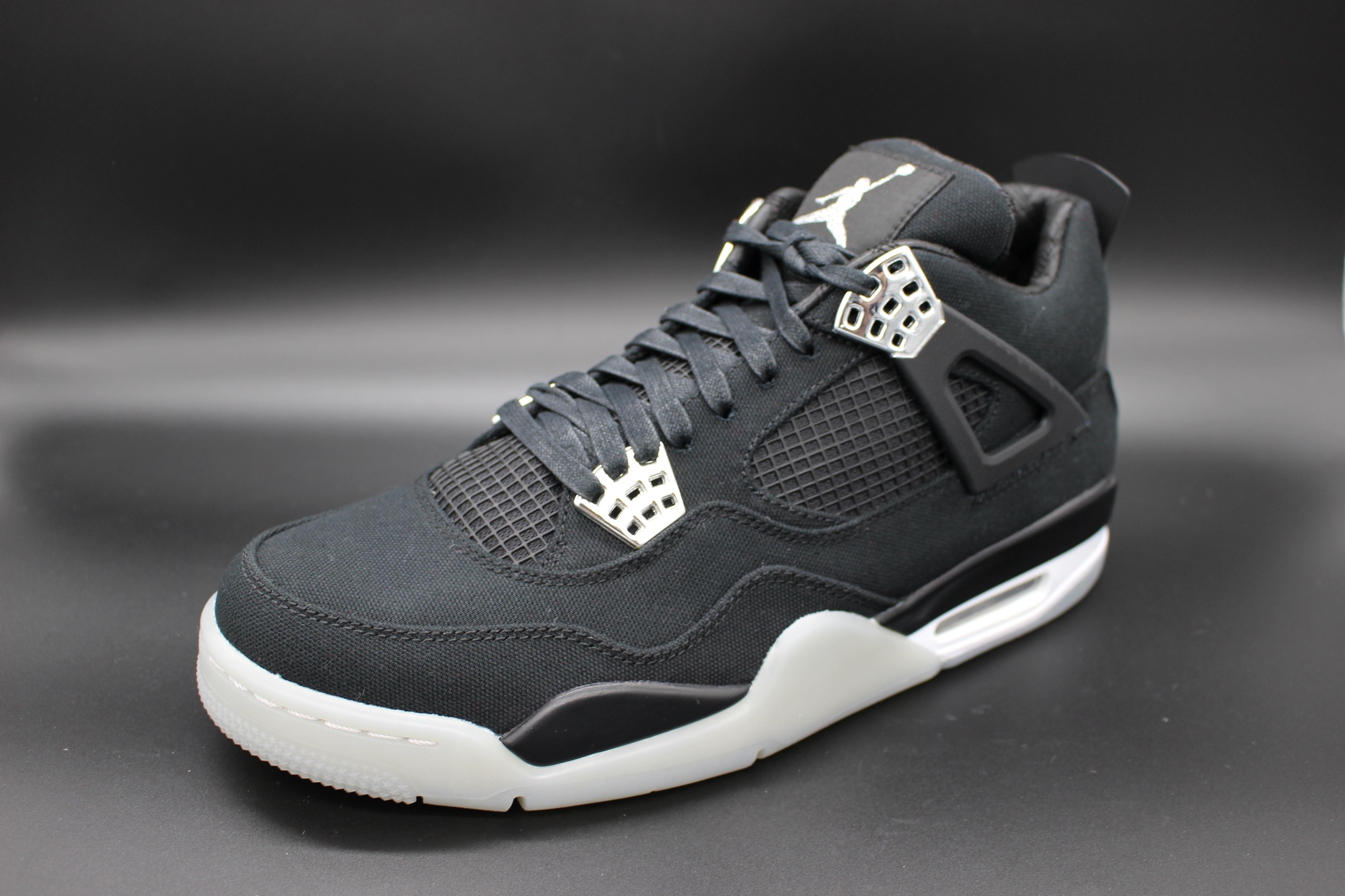97c89cfac82 2: Jordan 4 Retro Eminem x Carharrt – $14 000 / R185 500